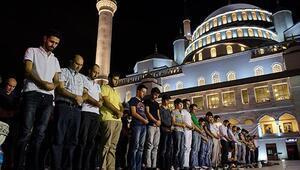 Akşam ezanı saat kaçta okunuyor İstanbul, Ankara, İzmir ve tüm illerin 13 Şubat 2021 iftar saati bilgileri