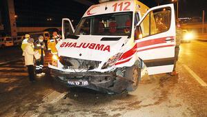 Kaza yapan ambulanstan hayata merhaba