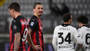 Lider Milan deplasmanda Speziaya 2-0 yenildi