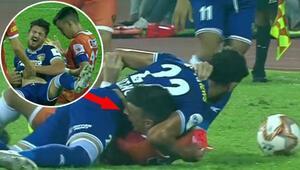 Rakibini belinden ısırdı İkinci Luis Suarez vakası...