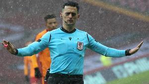Galatasaray - Kasımpaşa maçında tartışmalı penaltı pozisyonu