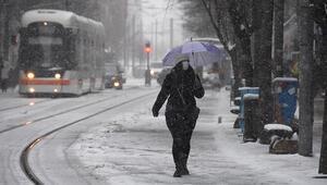 Eskişehirde okullara kar engeli