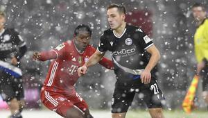 Bayern Münih 2-0 geriye düştüğü maçta Arminia Bielefeld ile 3-3 berabere kaldı