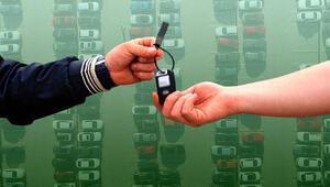 Otomotivciler fiyatların neden düşmediğini açıkladı: İndirim matraha takılıyor