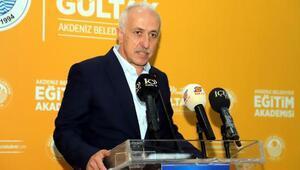 Akdeniz Belediyesi Eğitim Akademisi, öğrencileri üniversite hayaline kavuşturacak