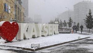 Kayseride kar yağışı etkili oldu