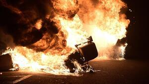 İspanya yangın yeri Binlerce insan rap sanatçısı için sokaklarda