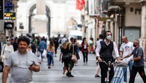 İtalyada günlük koronavirüs vaka sayısı 12 bin 74 oldu
