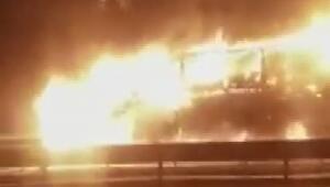 Bursa-İstanbul Karayolunda kimyasal madde yüklü TIR alev alev yandı