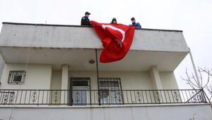 İdlibde görevli uzman çavuşun isteğini polisler yerine getirdi