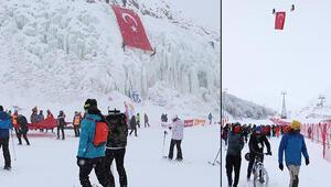 Gara Şehitleri anısına Palandökenin zirvesine Türk bayrağı astılar