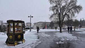 Sivasta kar yağışı 109 yerleşim yeri yolu kapalı