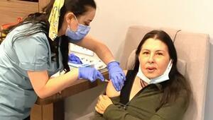 Koronavirüs aşısı olan Nilüferi kızdıran mesaj: Bu korona aşısı değil