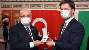 Tekirdağ Büyükşehir Belediye Başkanı Albayraka, Macaristan Liyakat Nişanı