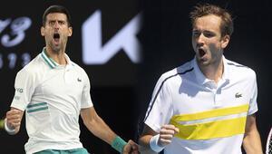 Avustralya Açıkta Tsitsipası deviren Daniil Medvedev, finalde Djokovicin rakibi oldu