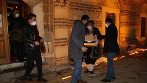Akşehir Belediyesinden kandilde mevlid şekeri