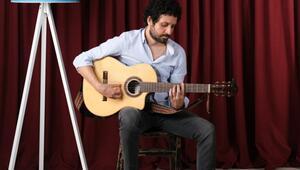 Müzisyen Özer Kanat online konserlerle sevenleriyle buluşuyor