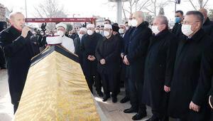 65 yıl görev yaptığı Fatih Camisi'ne defnedildi