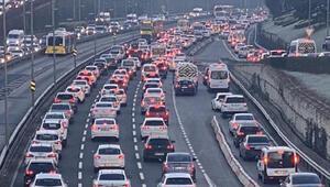 Kısıtlama sonrası İstanbulda trafik yoğunluğu