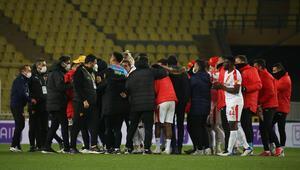 Fenerbahçeyi yenen Göztepe, İstanbul deplasmanında 9 maç aradan sonra kazandı