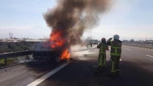 Seyir halindeki otomobil alev alıp, yandı
