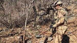 Terör örgütü PKKya operasyon 2 sığınak imha edildi