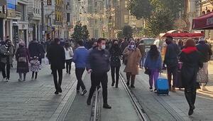 Vatandaş İstiklal Caddesine akın etti