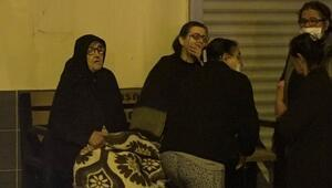 Çöp dolu ev, küle döndü Anne ve kızı gözyaşlarını tutamadı