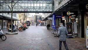 Hollandada sokağa çıkma kısıtlaması 15 Marta kadar uzatıldı