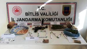 Bitlis merkezli 3 ilde uyuşturucu operasyonu: 9 gözaltı