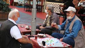 En çok vaka görülen iller arasındaki Rizede çay sohbetleri yasaklandı