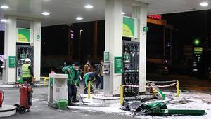 Beşiktaşta faciadan dönüldü Kontrolden çıkan araç benzinliğe daldı