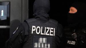 Aşırı sağcı polis hakkında dava açıldı