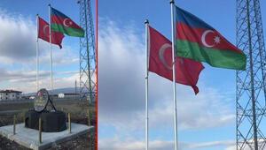 Nahçıvan sınırında Türkiye ve Azerbaycan bayrakları