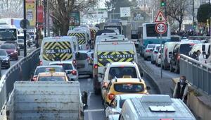 Son dakika... İstanbulda kısıtlamaya saatler kala trafik kilit