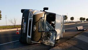 Şanlıurfada tarım işçilerini taşıyan minibüs devrildi: 12 yaralı