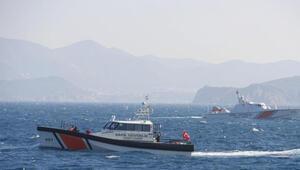 Gökçeada açıklarında 5 kişinin bulunduğu tekne battı