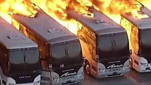 ABDde büyük yangın Onlarca otobüs kül oldu