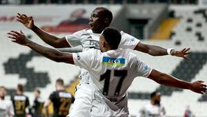 Beşiktaşta Larin ve Aboubakar, yıldızlarla yarışıyorlar