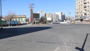 Diyarbakırın cadde ve sokaklarında kısıtlama sessizliği