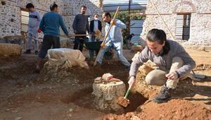 Alanya Gülevşen Camiinde zemin kazısı devam ediyor