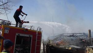 Çanakkale'de kayınpederinin yanan evine müdahale eden itfaiye eri, duvar çökünce ölümden döndü