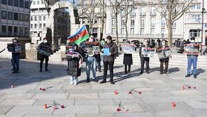 Hocalı katliamı 29'uncu yılında Köln Katedrali önünde protesto edildi