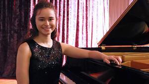 15 yaşındaki Nehir, Almanya'nın saygın müzik okuluna kabul edildi