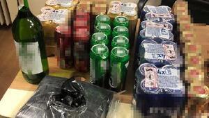 Kısıtlamasında evlere içki servisi yapan 2 kişi yakalandı