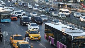 İstanbul yeni haftaya trafik yoğunluğuyla başladı