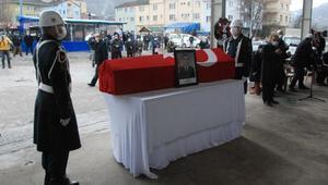 Tekne faciasında hayatını kaybeden teğmen son yolculuğuna uğurlandı