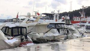 İstanbul Boğazındaki sahillerde tekne ve yat yoğunluğu