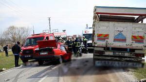 Kırklarelinde otomobil ile kamyon çarpıştı: 2 ölü