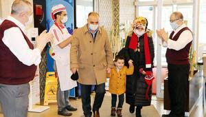 Erzurumda dönerciye gelen ilk müşteri alkışlarla karşılandı